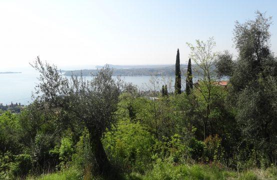 Rustico con terreno vista lago